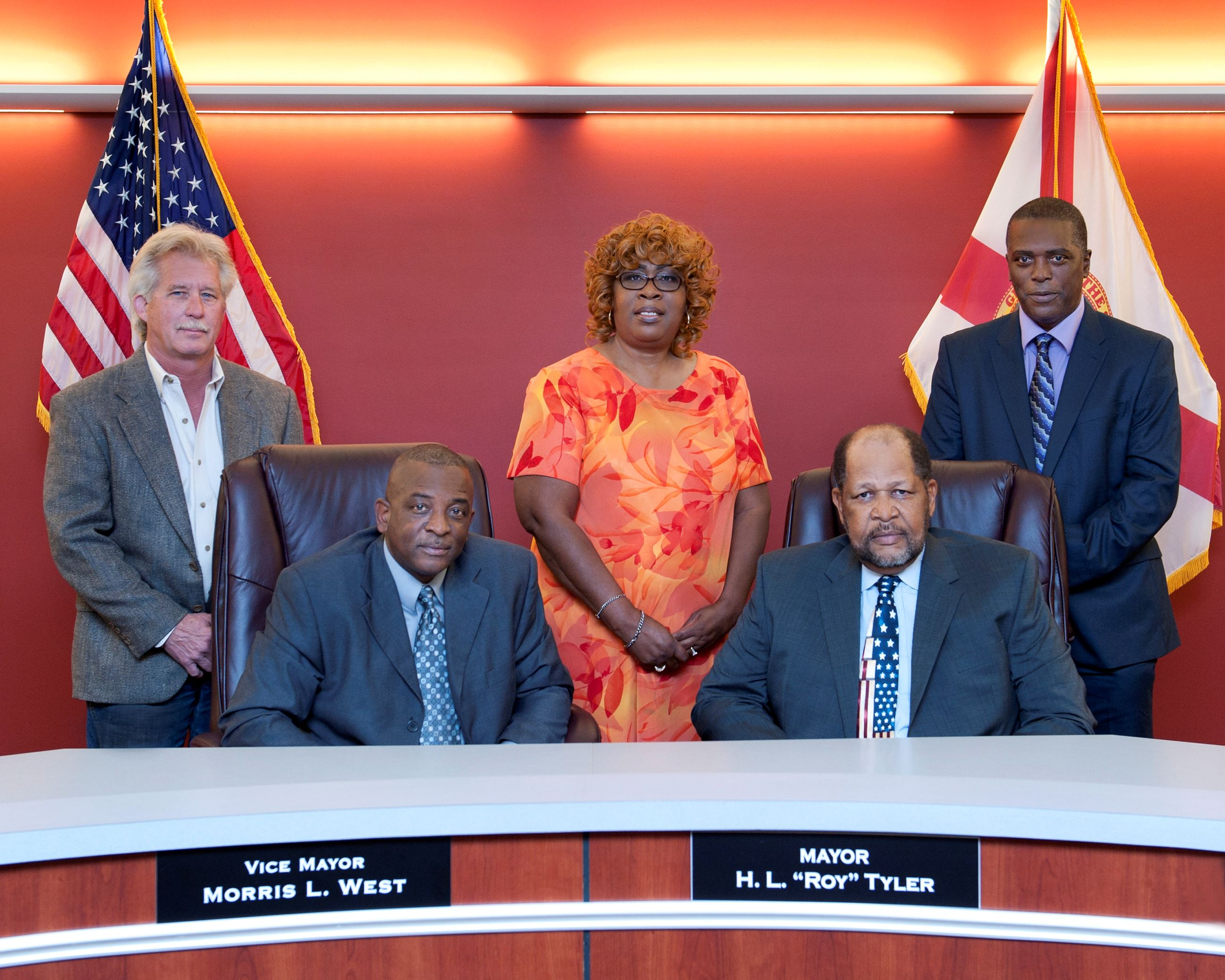Picture of Haines City Commission Members in 2017